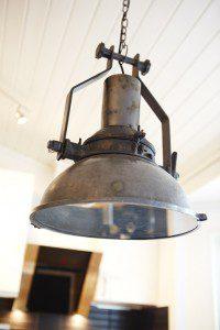 Erica Johansson rustik taklampa i köket