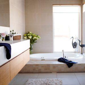 Inblick i inomhusinläggningen som kompletterar utespa! 6