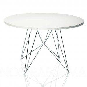 magis vitt matbord med ben i förkromat stål