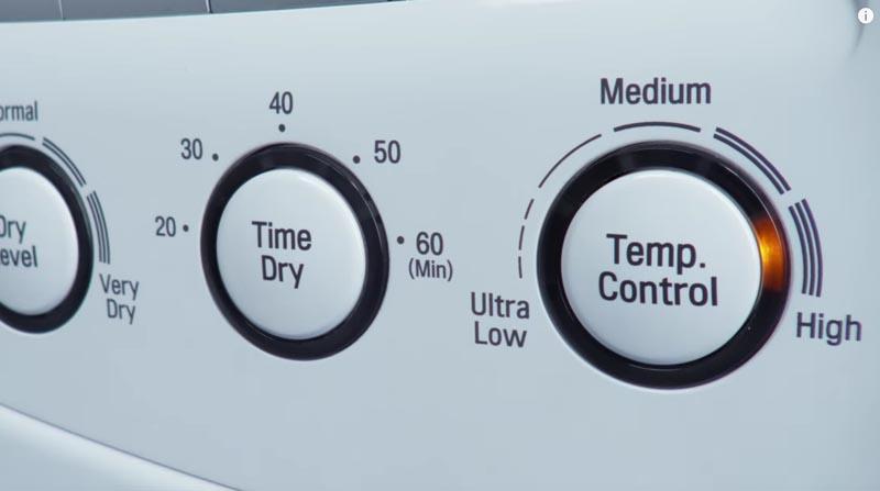 stryka skjorta i hög temperatur i torktumlare