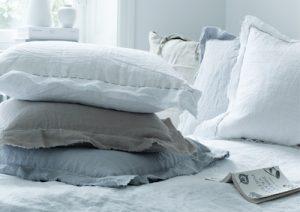 Sovrum inrett med linne