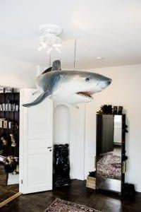 Sofia Wistams hem - en haj som takpjäs