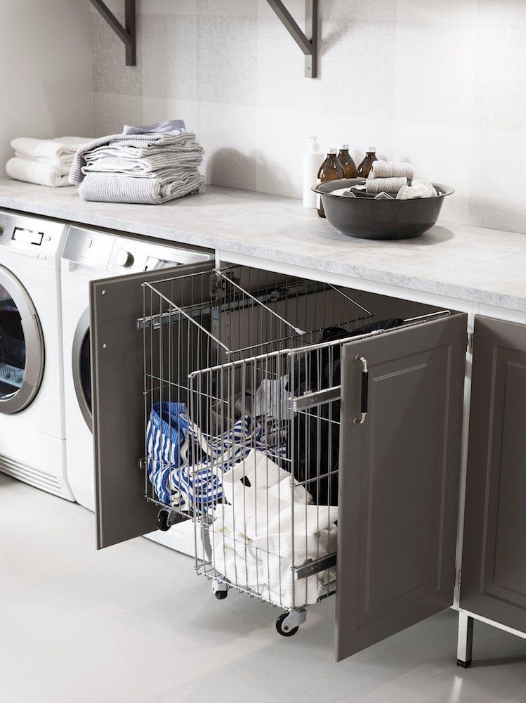 Inreda tvättstuga - snyggt skåp