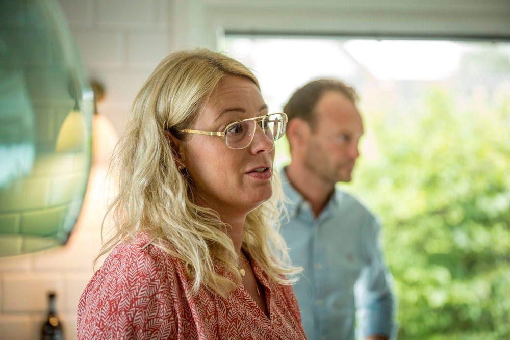Therese och Frederick pratar köksrenovering