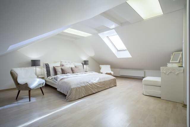 Färgsättning sovrum - ljust björkgolv