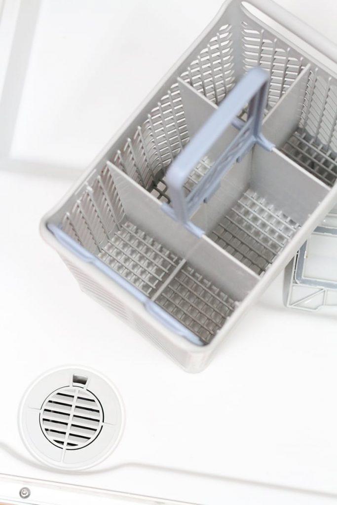 Rengöra diskmaskinen - lösa delar