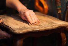 måla om möbler sandpapper