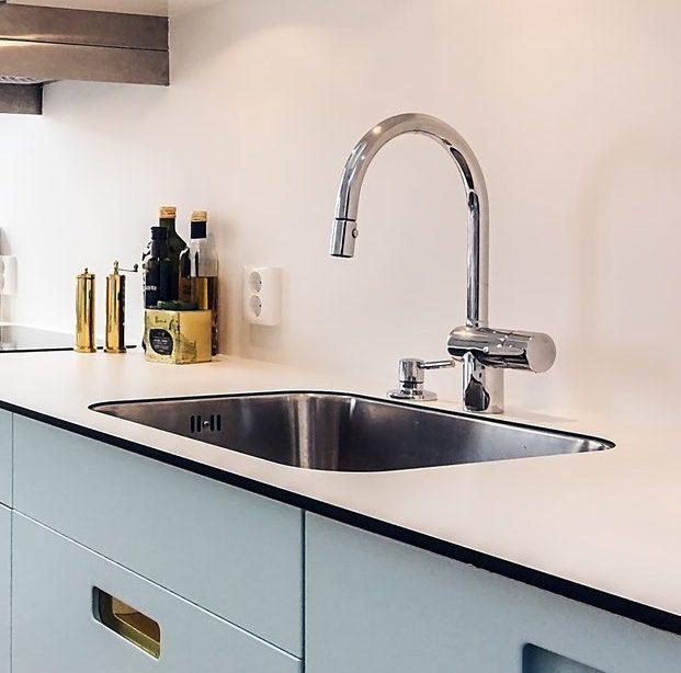 Välja bänkskiva till köket - kompaktlaminat