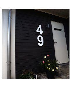 Scandexpo AB Husnummer i vittt högblankt plexiglas