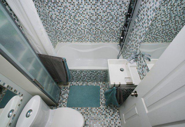 Inreda liten toalett mosaik