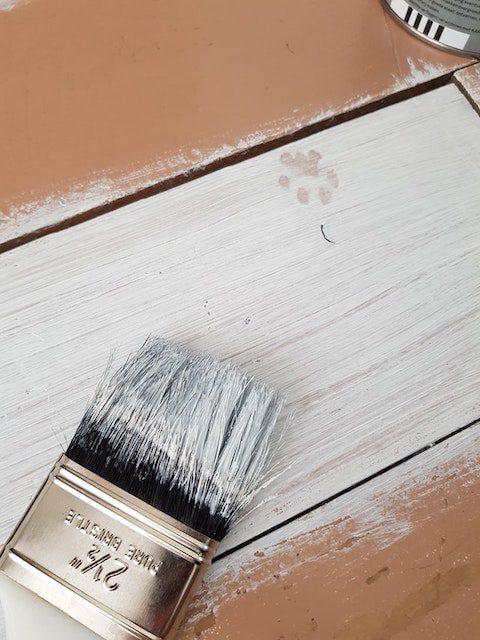 ommålning av möbler