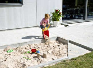 bygg sandlåda