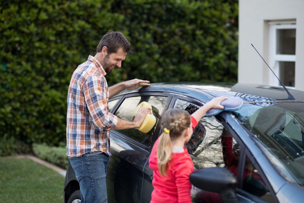 tvätta bilen hemma